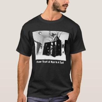 T-shirt Ne faites jamais confiance à un homme dans un