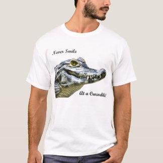 T-shirt Ne souriez jamais à un crocodile !