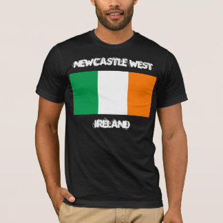 T-shirt Newcastle occidental, Irlande avec le drapeau