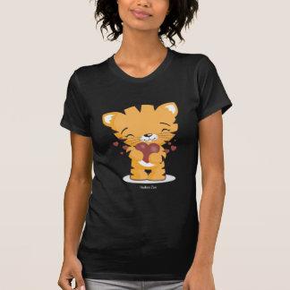 T-shirt noir de dames affectueuses de chaton