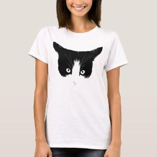 T-shirt noir et blanc de visage de chat