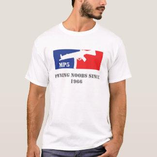 T-shirt Noobs de MP5 Pwning depuis 1966