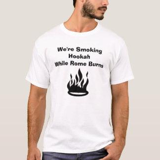 T-shirt Nous fumons des brûlures de HookahWhile Rome