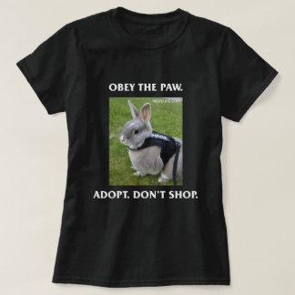 T-shirt Obéissez la pièce en t des femmes de patte