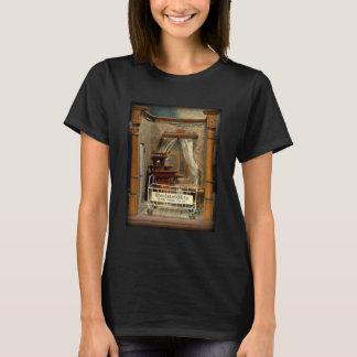 T-shirt ObsoleteOddity Doll's House - creepy creepy joy