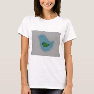 T-shirt oiseau bleu avec l'aile verte