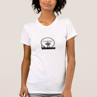 T-shirt orienté d'oeil de Londres de théière