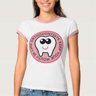 T-shirt Orthodontiste mignon rose