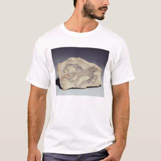 T-shirt Ostracon dépeignant un chien chassant une hyène