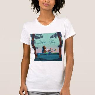T-shirt Ours mignon et Fox kayaking sur une rivière