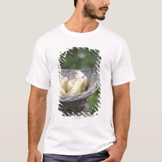 T-shirt Panier des poires fraîchement sélectionnées