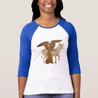 T-shirt Panoplie - la déesse grecque Nike avec un taureau