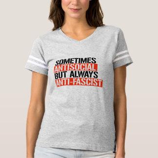 T-shirt Parfois antisocial mais toujours Anti-Fasciste -