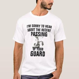 T-shirt Passant à garde la chemise drôle de jitsu de BJJ
