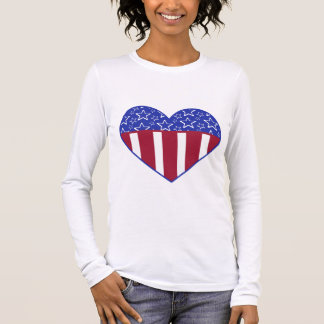 T-shirt patriotique de drapeau de coeur des