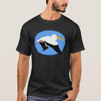 T-shirt Pélican de vol dans l'ovale bleu