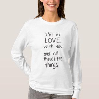 T-shirt Petite chemise de textes de choses