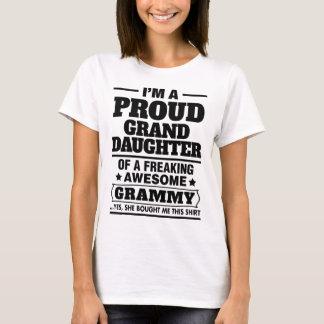T-shirt Petite-fille fière d'A Freaking Grammy