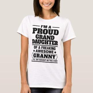 T-shirt Petite-fille fière d'A Freaking mamie