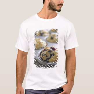 T-shirt Petits pains de myrtille dans un bidon de cuisson