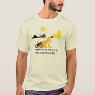 T-shirt Pièce en t de montagnes et d'hommes de vélo