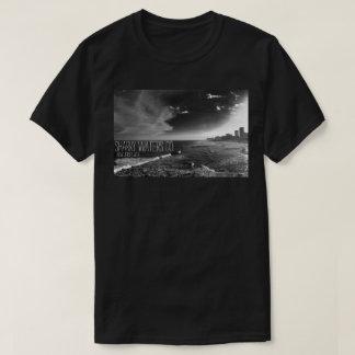 T-shirt Pièce en t en acier d'image du pilier B&W