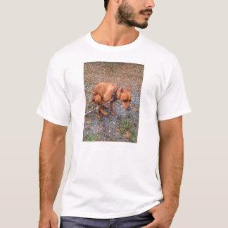 T-shirt Pièce en t minimum de Pin de cabots de Pooping