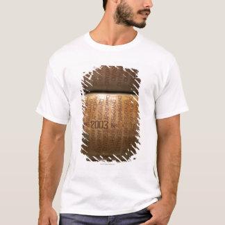 T-shirt Pile de parmesans, plan rapproché