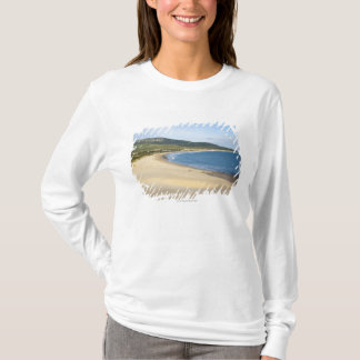 T-shirt Plage de littoral le long de la côte près de