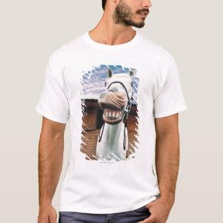 T-shirt Plan rapproché de cheval avec la bouche ouverte