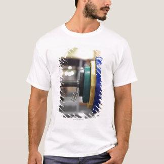 T-shirt Plan rapproché des poids sur un haltère