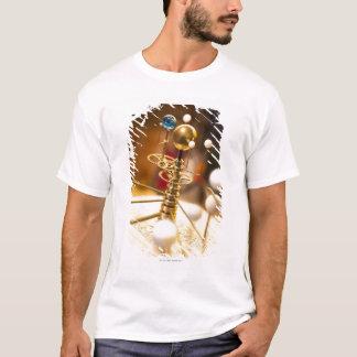 T-shirt Planétaire en laiton handcrafted traditionnel avec