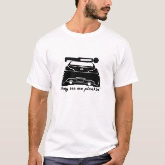 T-shirt Plankin sur un coupé G37