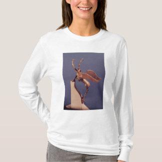 T-shirt Poignée de vase sous forme de bouquetin à ailes