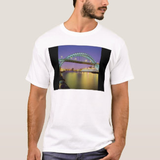 T-shirt Pont de Tyne, Newcastle-upon-Tyne, Angleterre