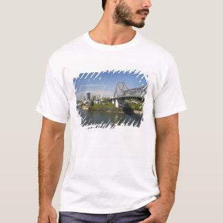 T-shirt Pont d'histoire, rivière de Brisbane, et kangourou
