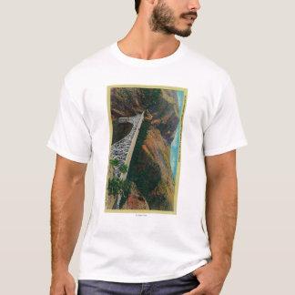 T-shirt Pont Pacifique en route au-dessus de rivière de