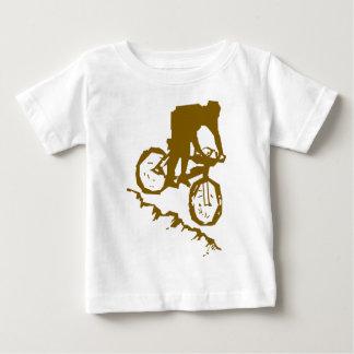 T-shirt Pour Bébé Bicyclette faisante du vélo de montagne
