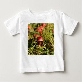 T-shirt Pour Bébé Champignons de capot d'écarlate, coccinea de