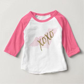 T-shirt Pour Bébé Chemise de style de base-ball de l'aquarelle XOXO