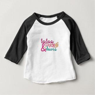 T-shirt Pour Bébé Chemise, tutus et touchdowns du football de bébé