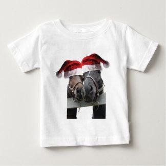 T-shirt Pour Bébé Chevaux dans des casquettes du père noël