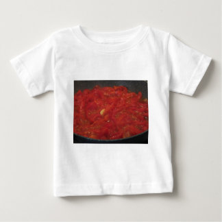 T-shirt Pour Bébé Cuisson de la sauce tomate faite maison utilisant