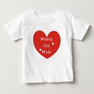 T-shirt Pour Bébé En valeur l'attente - adoption - nouveau bébé