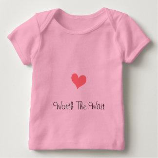 T-shirt Pour Bébé En valeur le rose d'attente