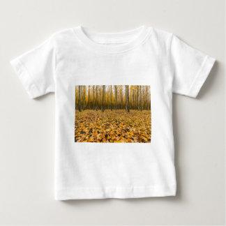 T-shirt Pour Bébé Feuille d'automne d'arbre de peuplier dans