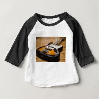 T-shirt Pour Bébé Ficelles basses basses d'instrument de la guitare