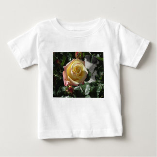 T-shirt Pour Bébé Fleur simple de rose jaune au printemps