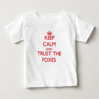 T-shirt Pour Bébé Gardez le calme et faites confiance aux renards