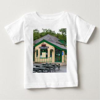 T-shirt Pour Bébé Gare ferroviaire de montagne de Snowdon,